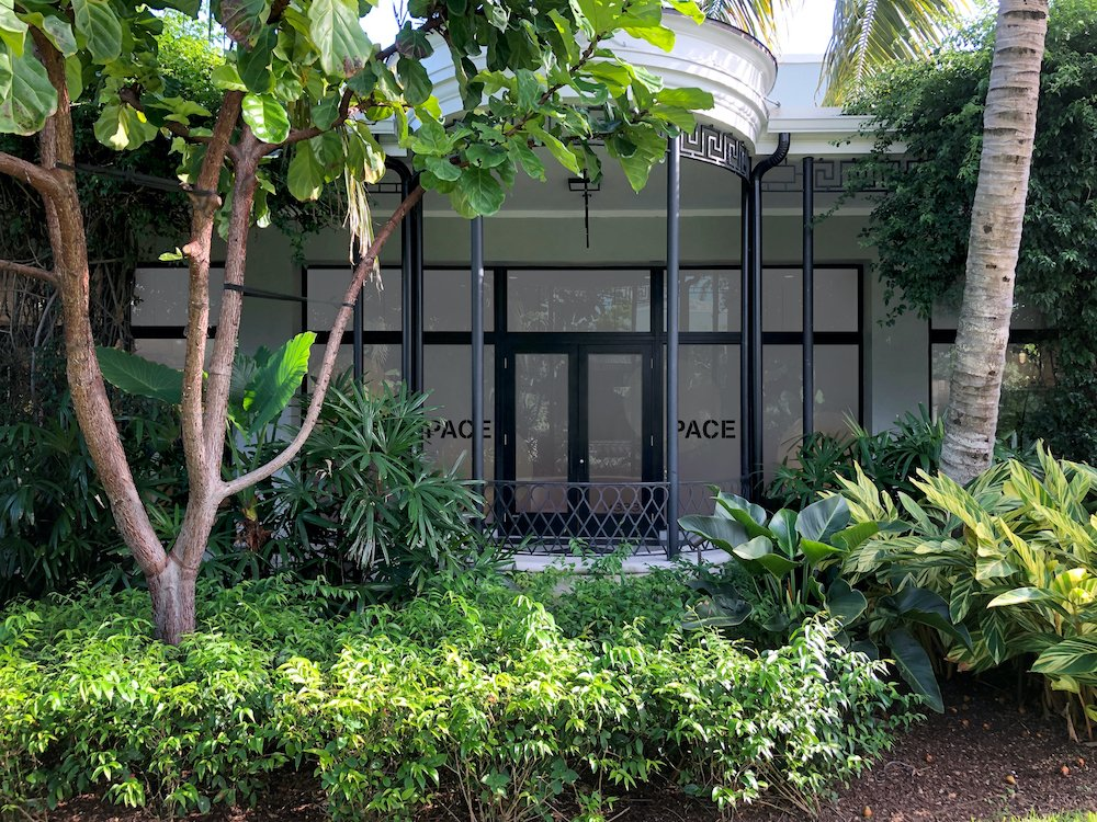 Pace Gallery, courtesy of the Royal Poinciana Plaza