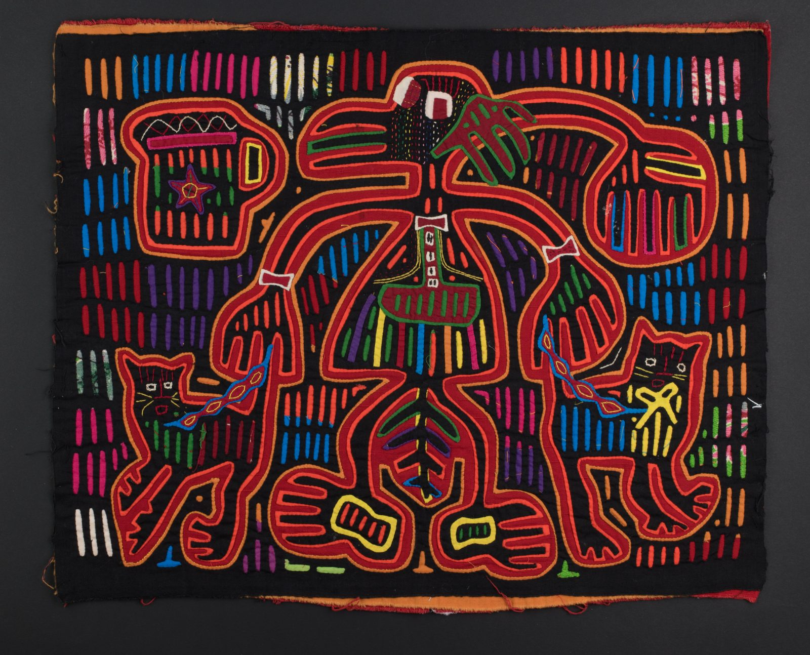 Bullwinkle J. Moose Mola Panel , c. 1960s. Republic of Panamá, Guna y a l a Comarca, Guna people, Gardi islands. Cotton; reverse appliqué, appliqué, embroidery; 38 x 47 cm. Denison Univ ersity, Denison Museum, Gift of Dr. Clyde Keeler, 1972.328. © Denison Museum, Denison University.