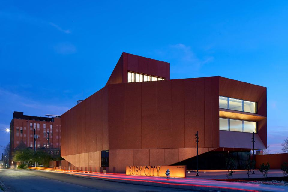 Ruby City, San Antonio, Texas, exterior at dusk. DROR BALDINGER FAIA