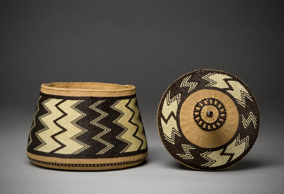 Elizabeth Hickox (Wiyot), Container, 1924, Plant fibers and dyed porcupine quills. Denver Art Museum Collection: Purchase from Grace Nicholson, 1946.388. PHOTOGRAPH © DENVER ART MUSEUM.